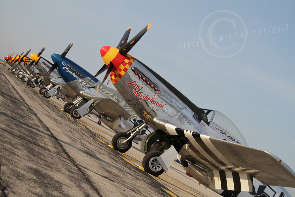 Row of mustang at Thunder